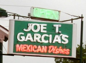 Joe T Gariias